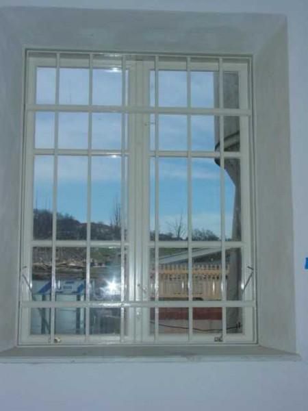 Fenstergitter geschmiedet